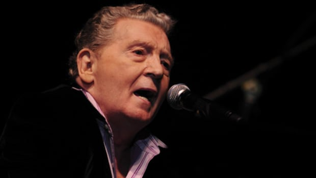 ROCK HALL LEGEND Jerry Lee Lewis performs onstage during a November 2008 concert in Zurich, Switzerland. (AP Photo/ Keystone/Walter Bieri)