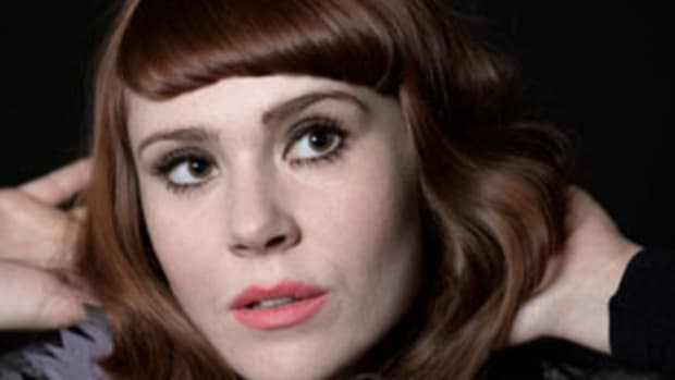 """Kate Nash fails to impress with her latest single, """"Kiss That Grrrl."""""""