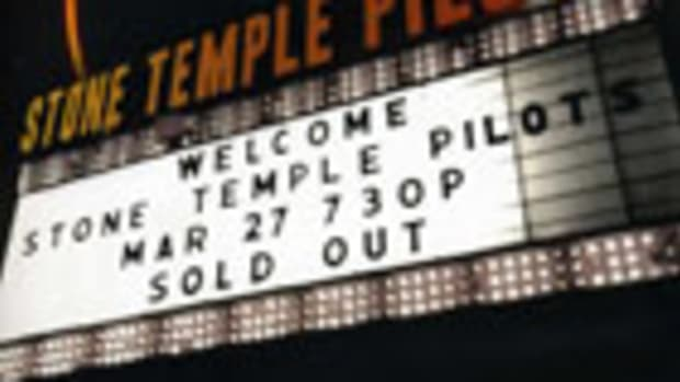 Stone Temple Pilots Alive In The Windy City concert DVD