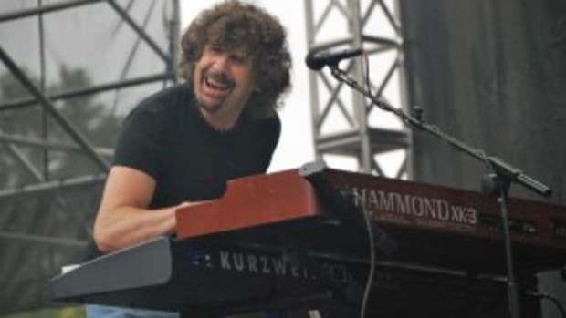 Rod Argent of The Zombies performs Sept. 12 at the Union County MusicFest in Clark, N.J. (photo by Chris M. Junior)