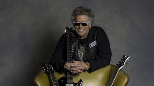 Leslie West with guitars. Photo credit, Paul Natkin.