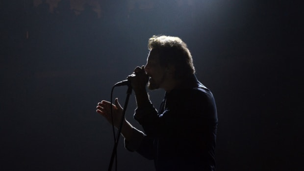 Pearl Jam frontman Eddie Vedder in action Oct. 21 at the Wells Fargo Center in Philadelphia. (Photo by Chris M. Junior)