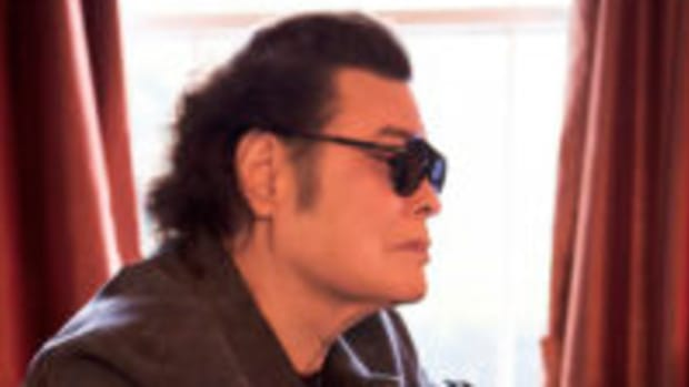 Ronnie Milsap at his piano. Photo by Allister Ann, courtesy of publicity.