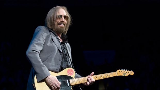 Tom Petty smiles early in his July 29 show at the Wells Fargo Center in Philadelphia. (Photo by Chris M. Junior)