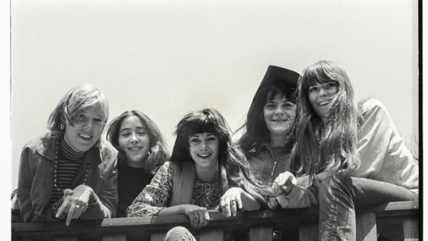 Ace of Cups in 1967 (L-R): Mary Ellen Simpson, Denise Kaufman, Diane Vitalich, Mary Gannon and Marla Hunt. Photo by Lisa Law/Courtesy of Shorefire Media.
