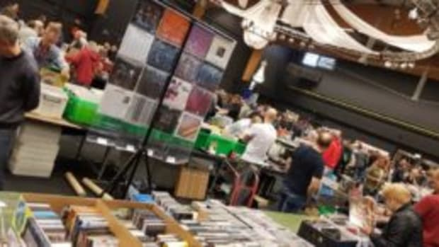 "On September 22, 209 in Zwolle, IJsselhallen, The Netherlands. ""The Biggest 1-day Recordfair in Europe."" Organiser: Variaworld."