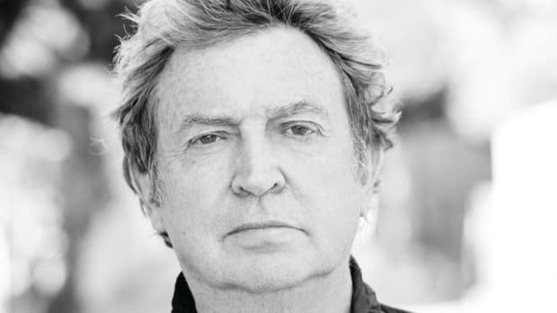 Photo of Andy Summers, courtesy of AMA Music Agency