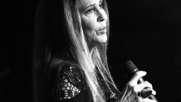 Rita Coolidge performing at New York's Cutting Room on June 23, 2016. Photo by Chris M. Junior.