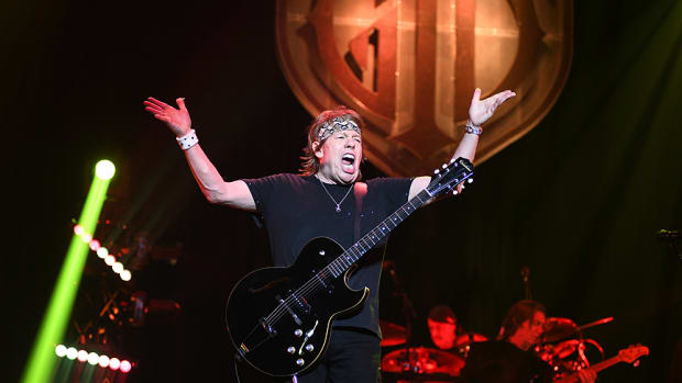 GEORGE THOROGOOD AND THE DESTROYERS SEPT  21 2021 PHOTO FRANK WHITE BERGEN PAC ENGLEWOOD NEW JERSEY (47)
