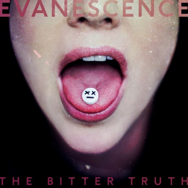 Evanescence main