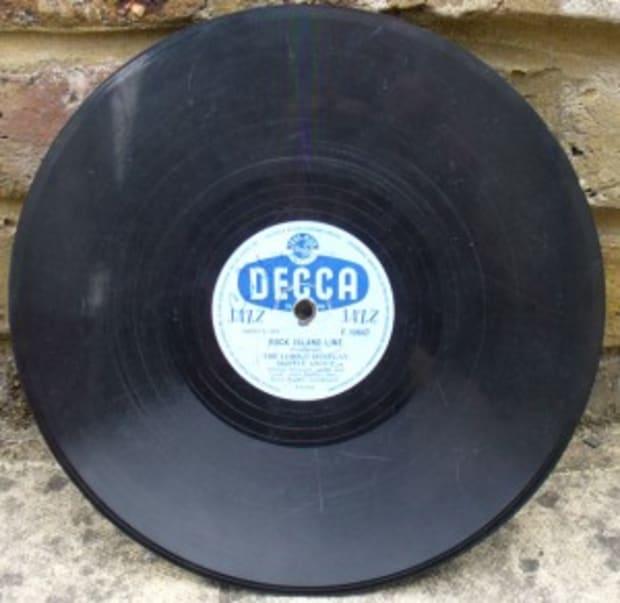LEN GARRY OF THE QUARRYMEN THE BEATLES SIGNED PHOTO PHOTOGRAPH LP VINYL RECORD