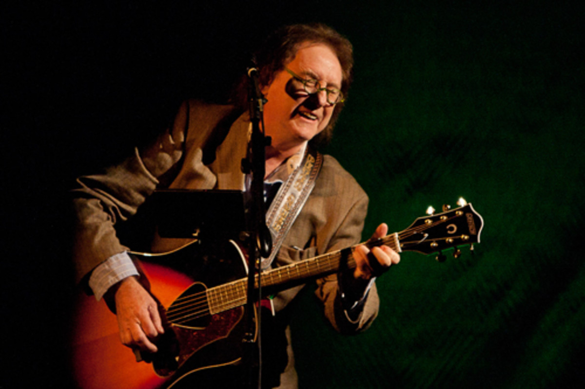 Denny Laine. Photo by Jay Gilbert.