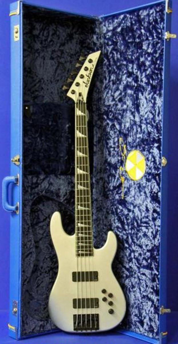 Dave Ellefson Megadeth 5-string bass