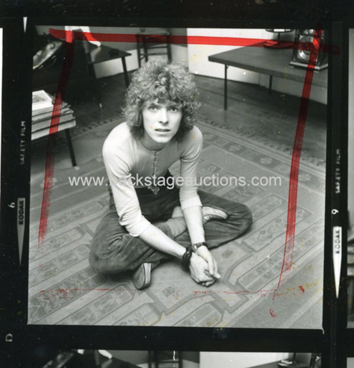 David Bowie image courtesy of Backstage Auctions.