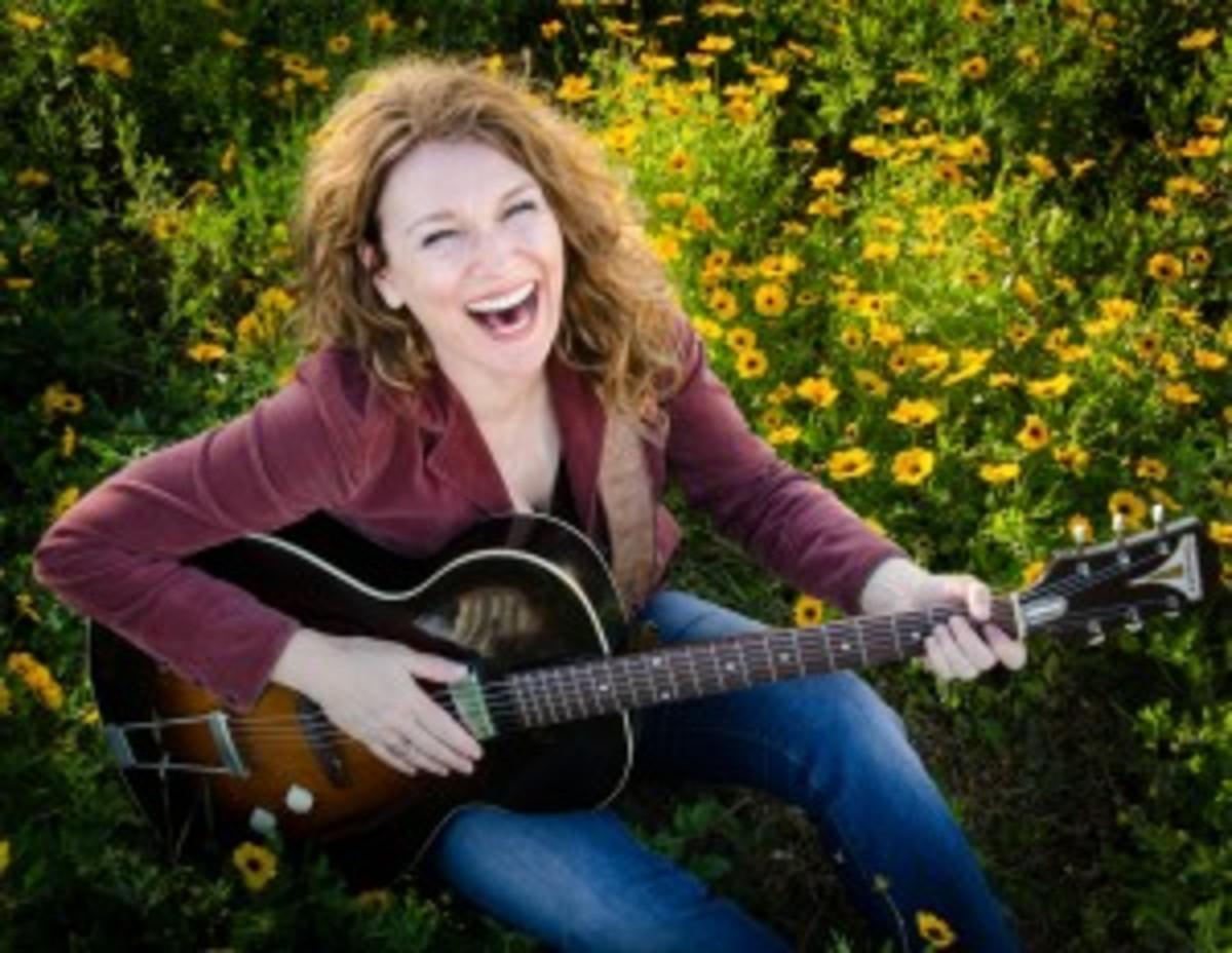 Lisa Mills - I'm Changing PR Photo by Darina Neyret