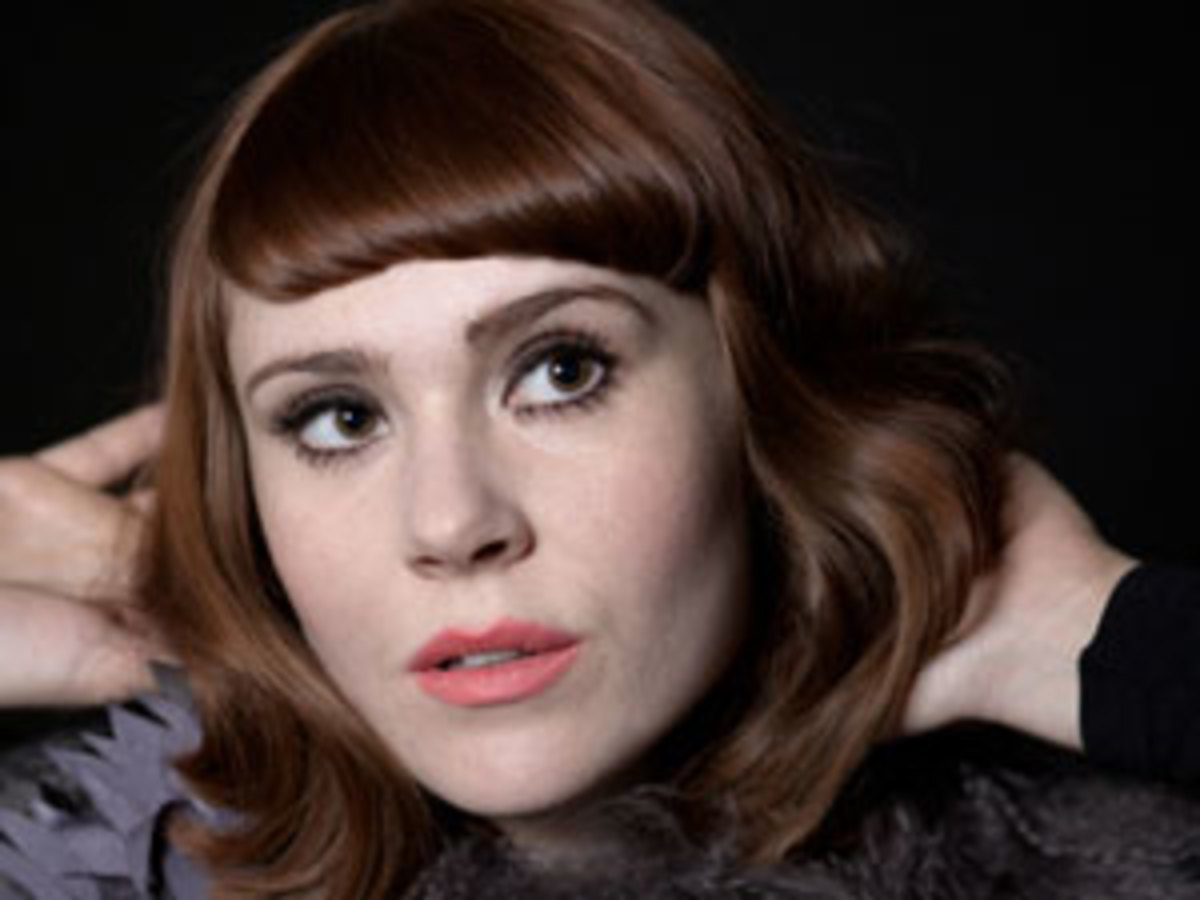 Kate Nash got past a wardrobe malfunction early in the show at New York City's Terminal 5 to deliver a set that delighted her fans.
