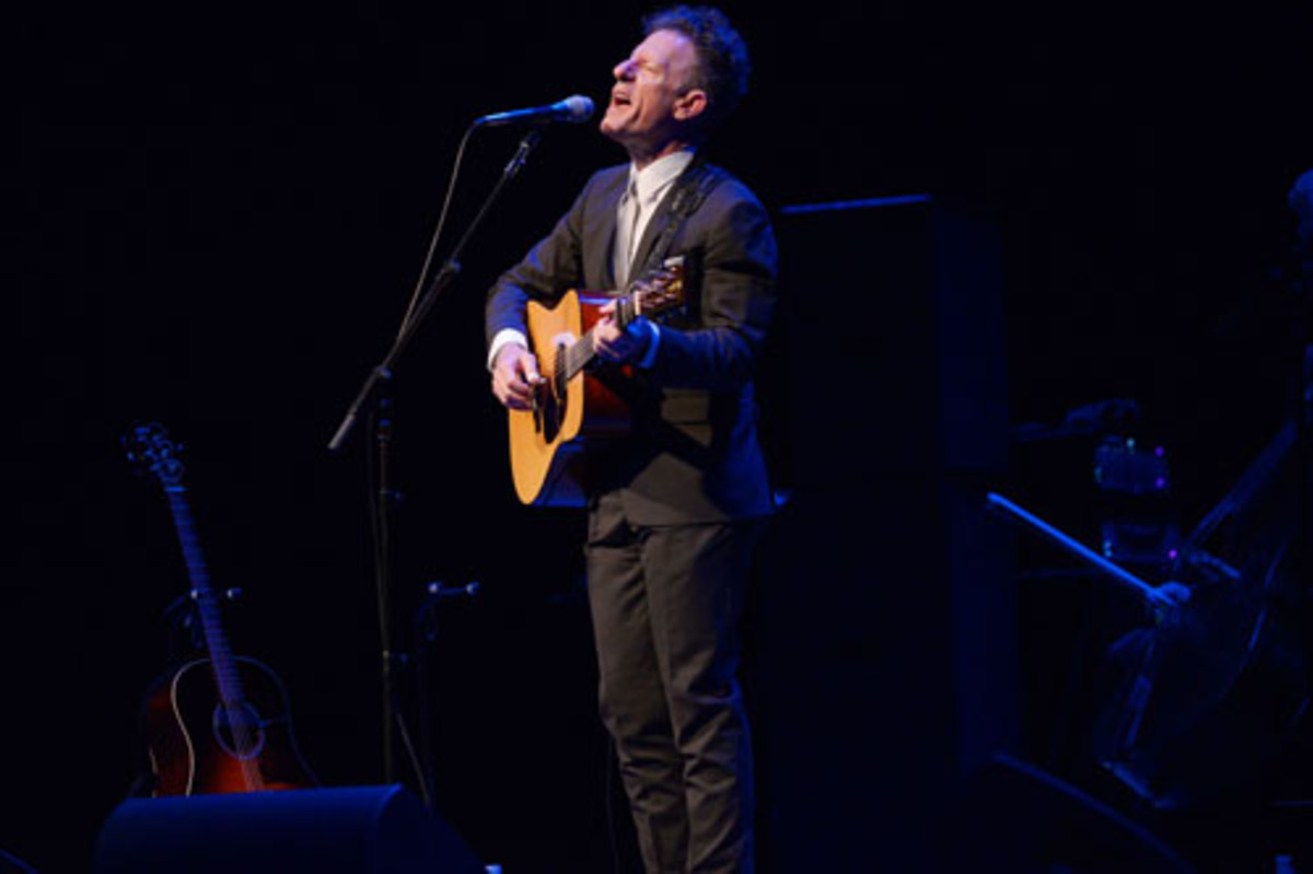 Lyle Lovett in concert at the Arsht Center in Miami, FL, 2014. Photo by World Red Eye