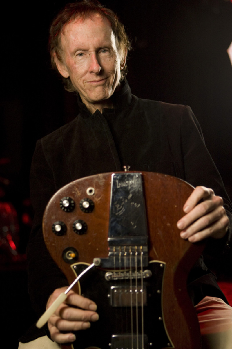 Robby Krieger with guitar. Photo by Joe Lopez