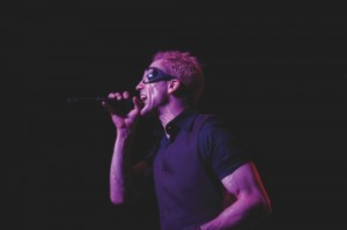 Extreme's Gary Cherone belts out a number during a live show. Photo courtesy Jeffrey Mate.
