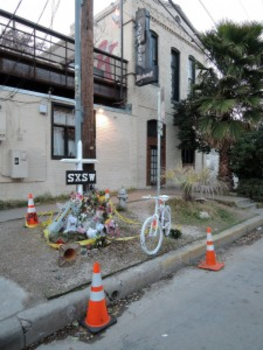 A memorial outside the Mohawk club in Austin, Texas, was erected in honor of those who were hit by an alleged drunk driver on March 13. (Photo by Chris M. Junior)