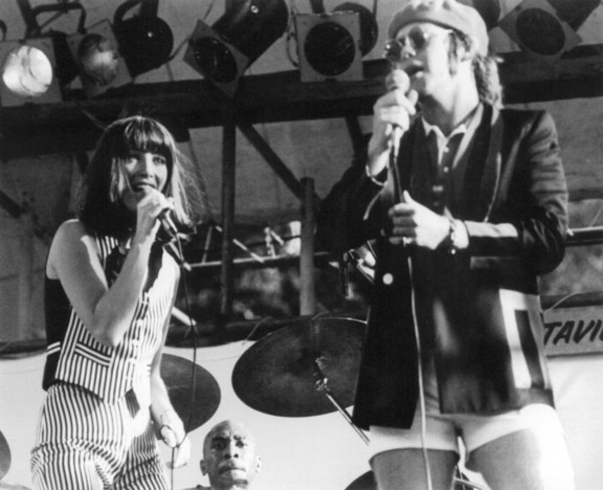 """Kiki Dee performs with Elton John at Wembley Pool in 1977, a year after """"Don't Go Breaking My Heart"""" climbed the charts. The pair collaborated again in 1993 with """"True Love,"""" featured on John's """"Duets"""" album. Photo courtesy Kiki Dee Archive."""