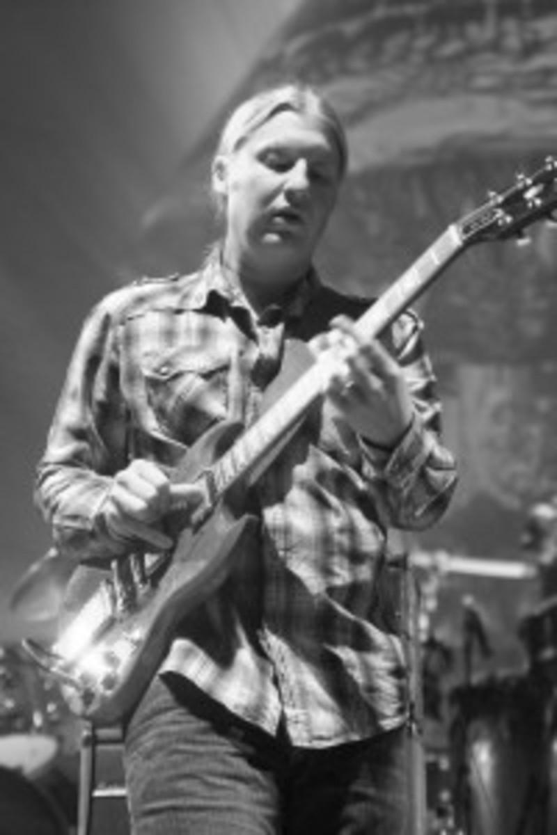 Allman Brothers Band guitarist Derek Trucks in 2010 (photo by Chris M. Junior)