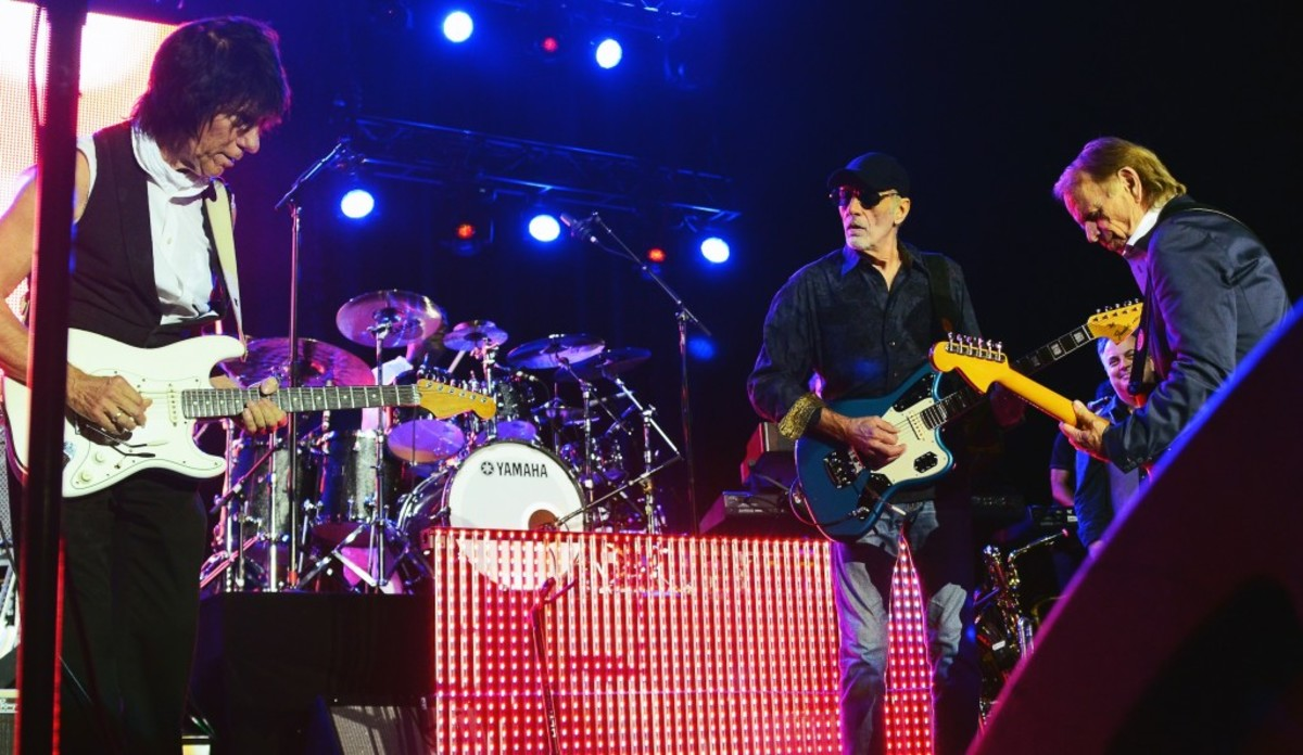 From left: Guitarists Jeff Beck, David Marks and Al Jardine onstage in Bethlehem, Pa. (Photo by Chris M. Junior)