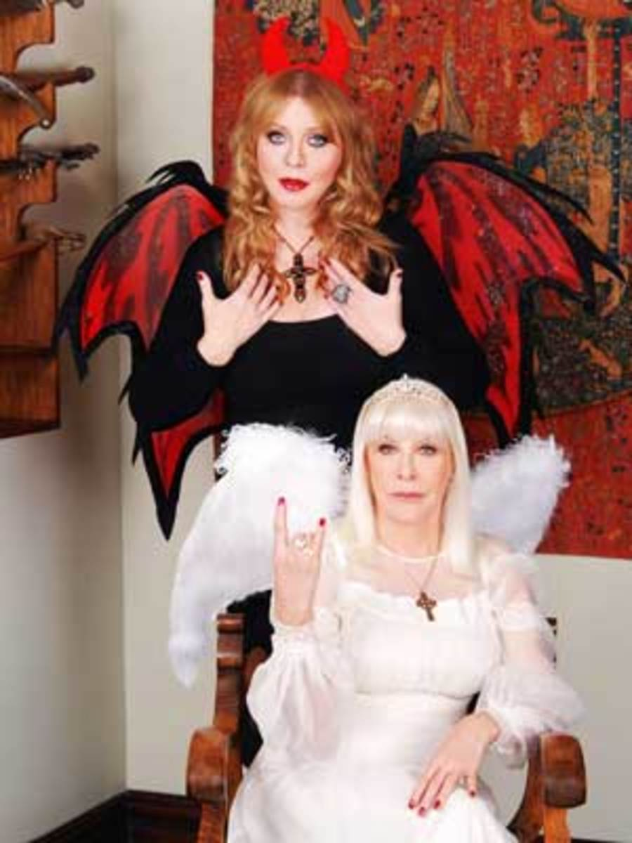 Female HEAVEN & HELL: Wendy Dio playing the angel to rock celebrity Bebe Buell's devil. (Photo courtesy of Chipster).