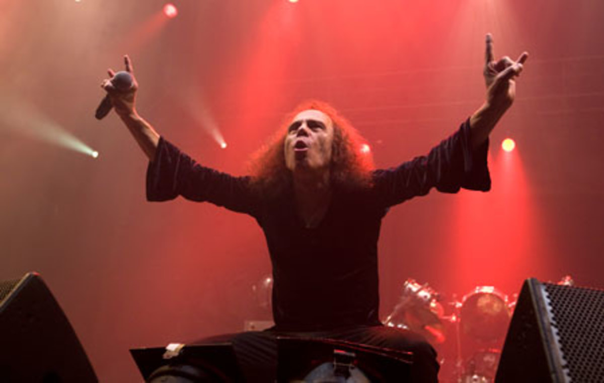 The icon at work: Ronnie James Dio onstage with Heaven & Hell in Oslo, Norway, June 4, 2009. (AP Photo/ Terje Bendiksby, Scanpix )