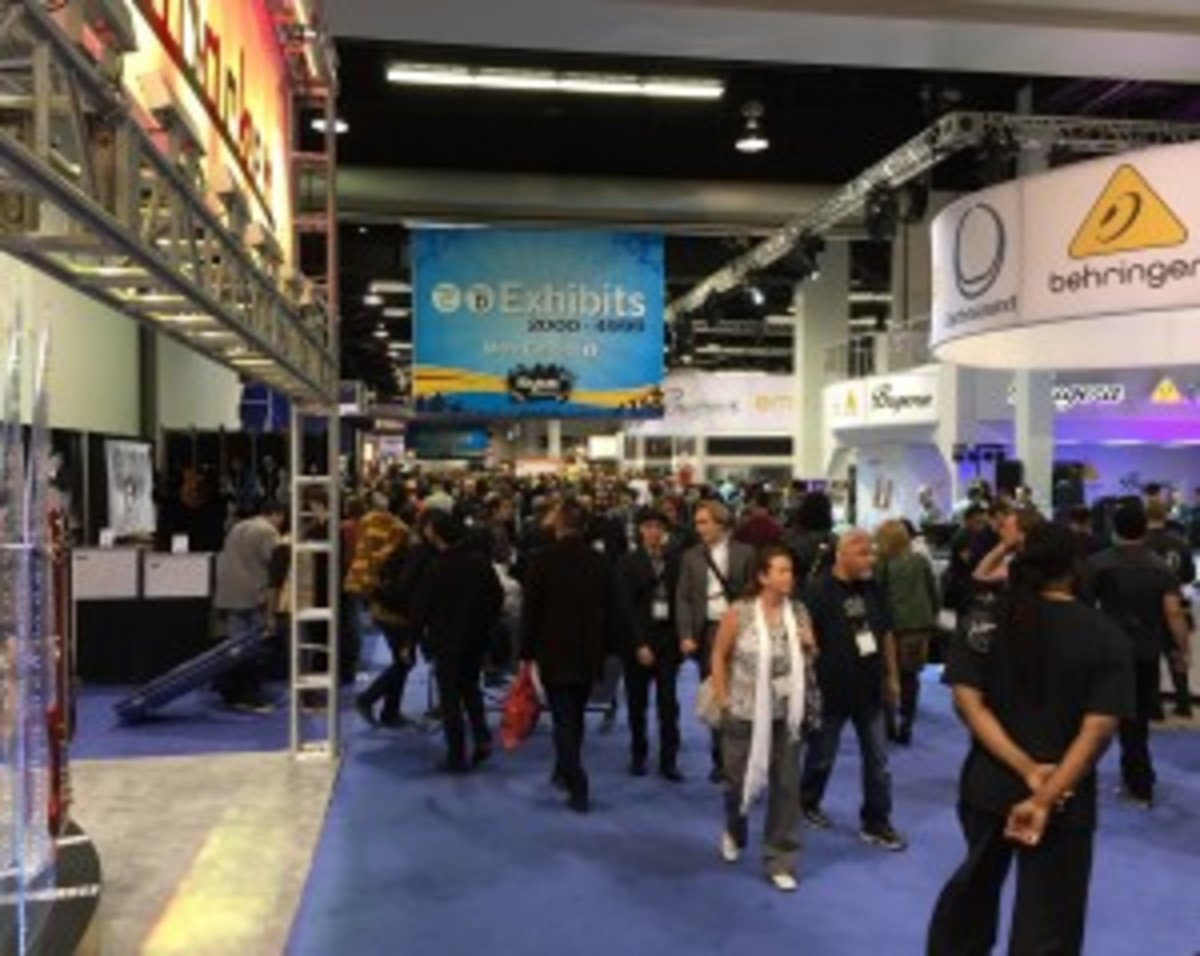The crowd walks the floor at the 2015 NAMM Show