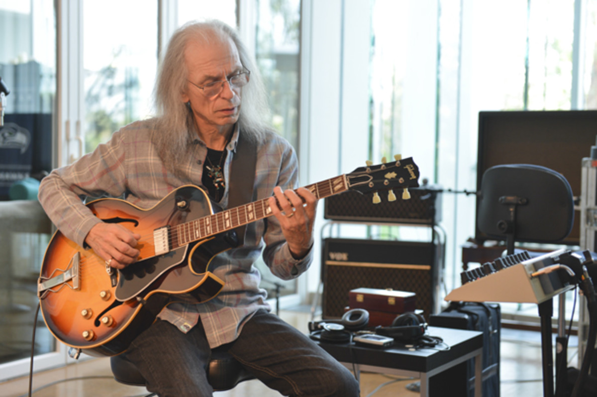 Steve Howe publicity photo courtesy Frontiers Records