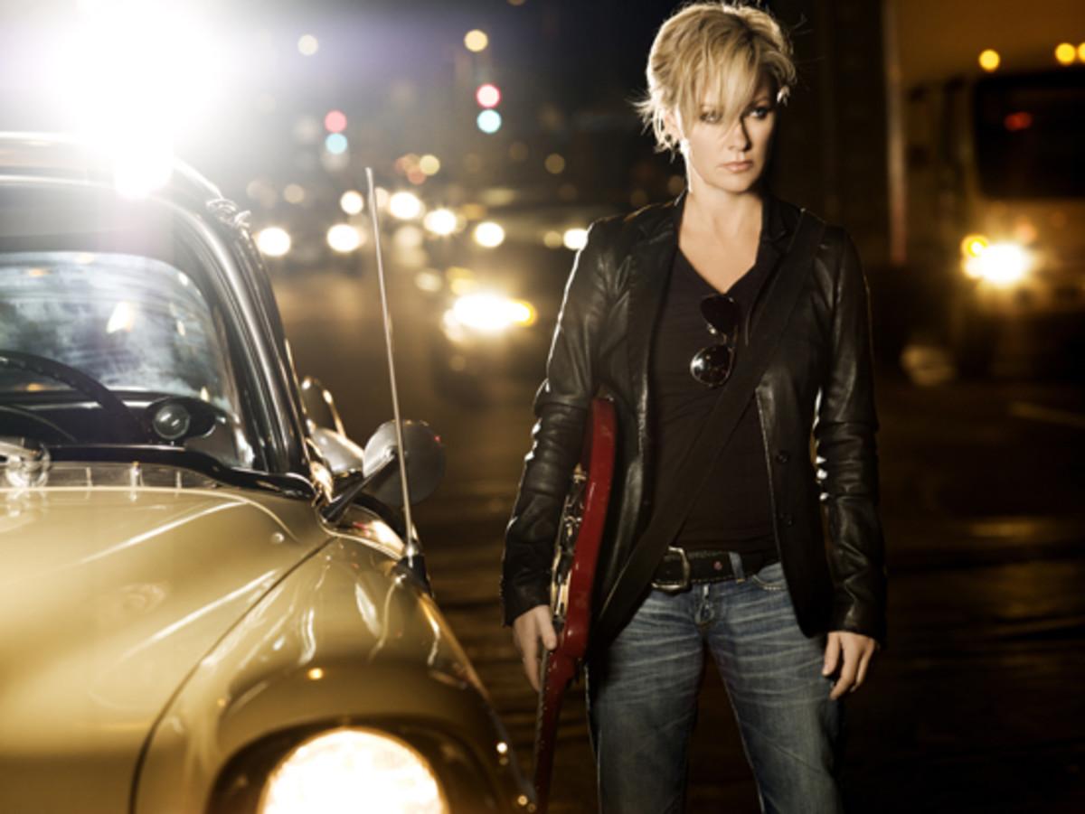 shelby_Lynne_car