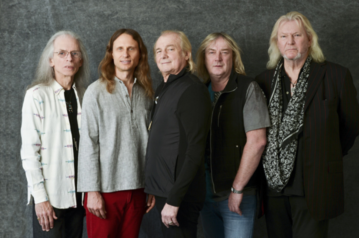 Yes publicity photo courtesy Frontiers Records
