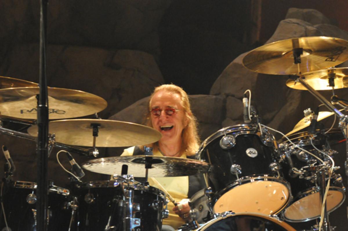 Foghat drummer Roger Earl photo by Jack Benas