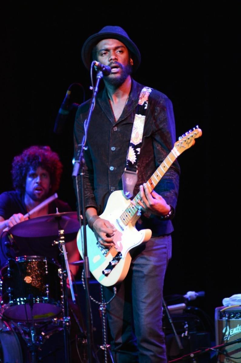 Drummer Johnny Radelat keeps a close eye on singer/guitarist Gary Clark Jr. (Photo by Chris M. Junior)