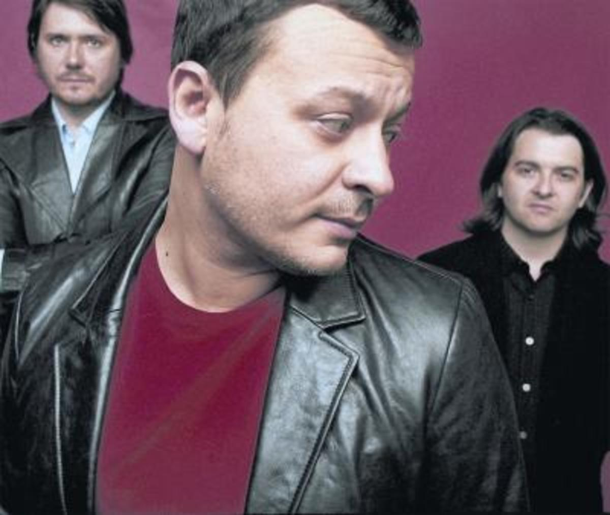 The Manic Street Preachers recently performed several live sessions on UK radio to promote their latest album, Postcards From A Young Man.