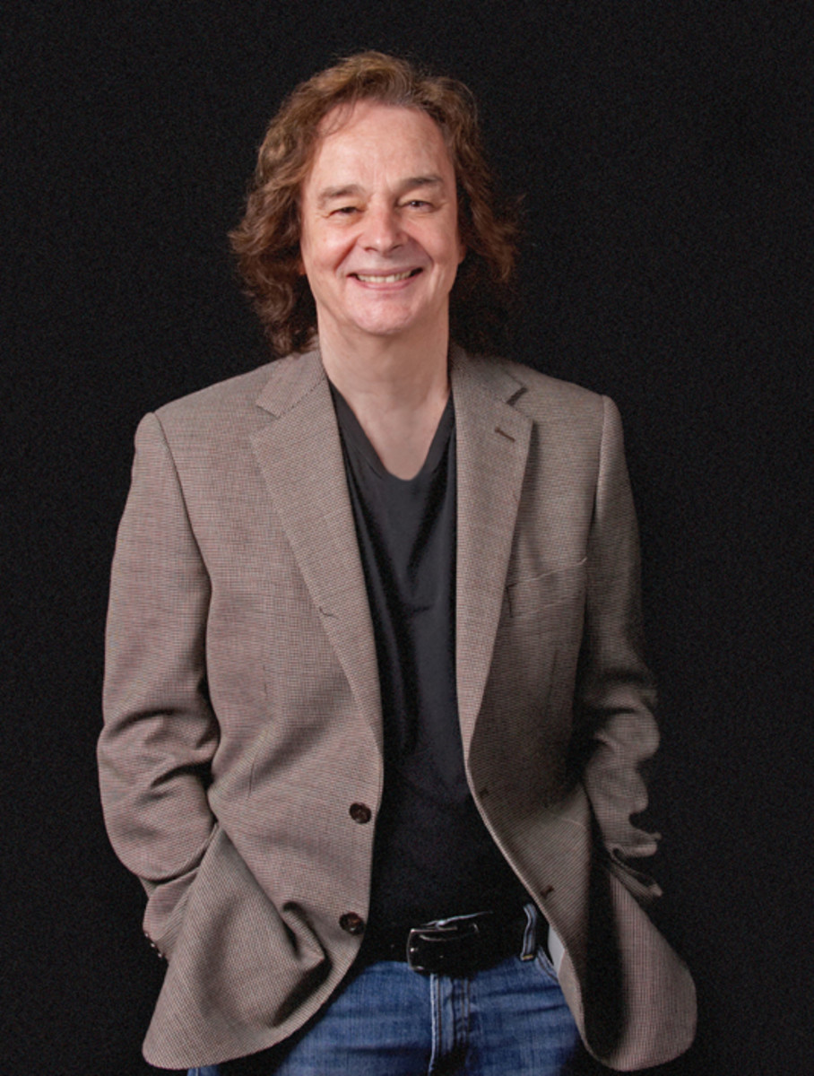 Zombies Colin Blunstone photo by Keith Curtis