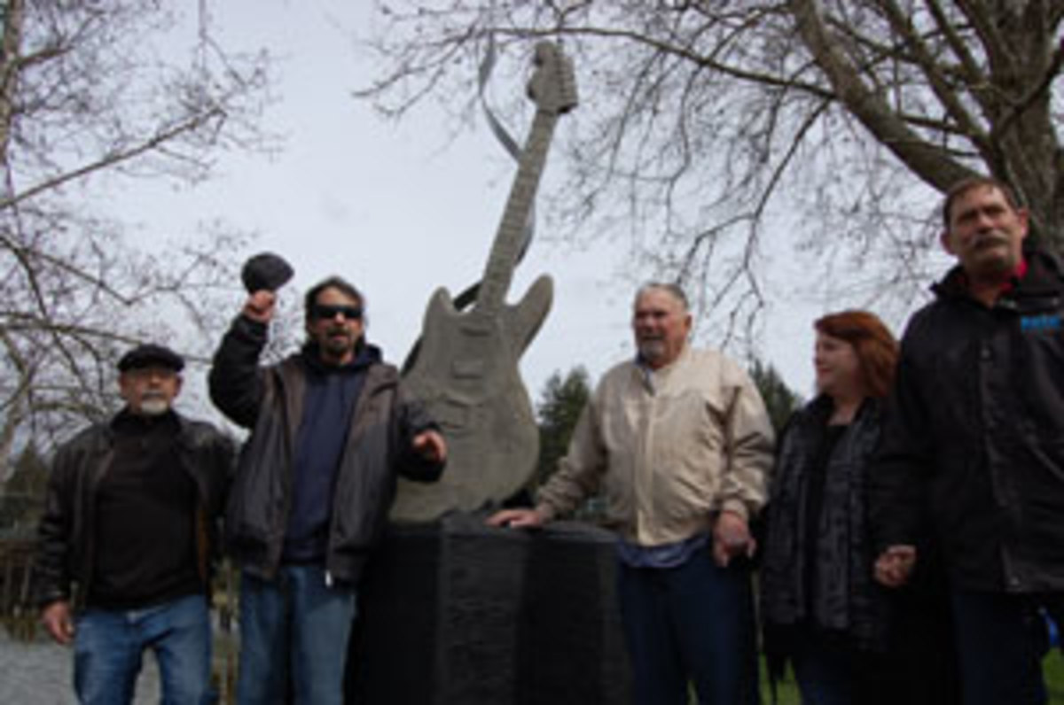 A statute honoring Kurt Cobain was unveiled April 5, 2011, in Aberdeen, Wash. Photo by Gillian G. Gaar.