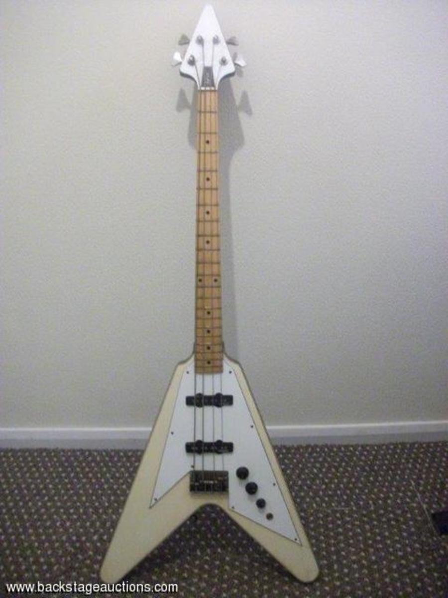 Flying V bass Climax Blues Band Derek Holt auction