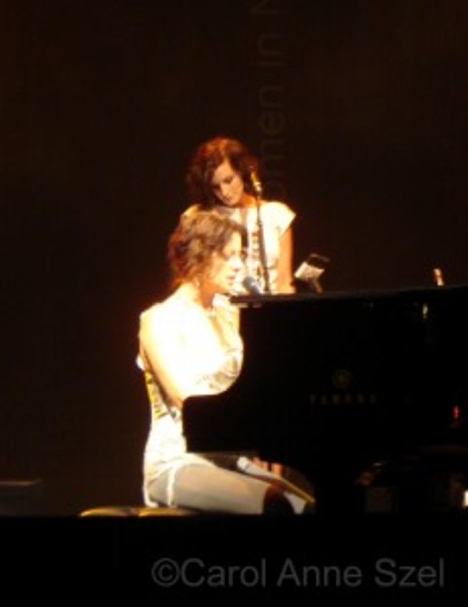 Sarah Mc on stage at piano.JPG -wm