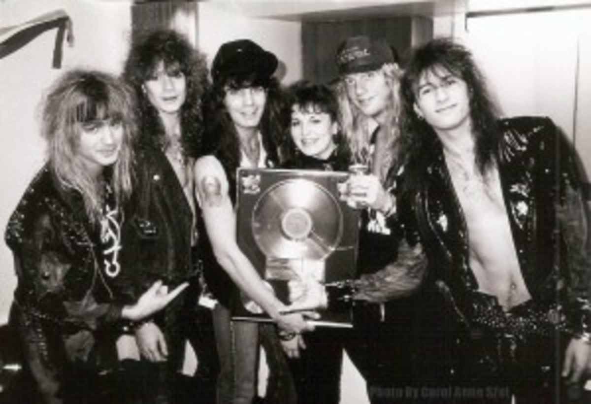 Warrent b and w pic with lp plaque in dallas watermarked