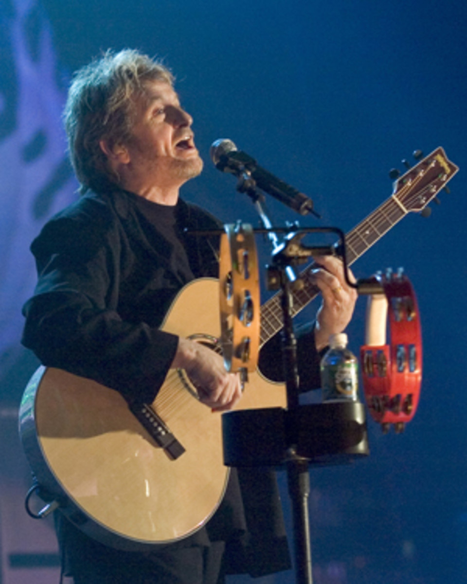 JON ANDERSON performs with Yes at the Tsongas Center in Lowell, Mass., May 15, 2004. AP Photo/ Robert E. Klein