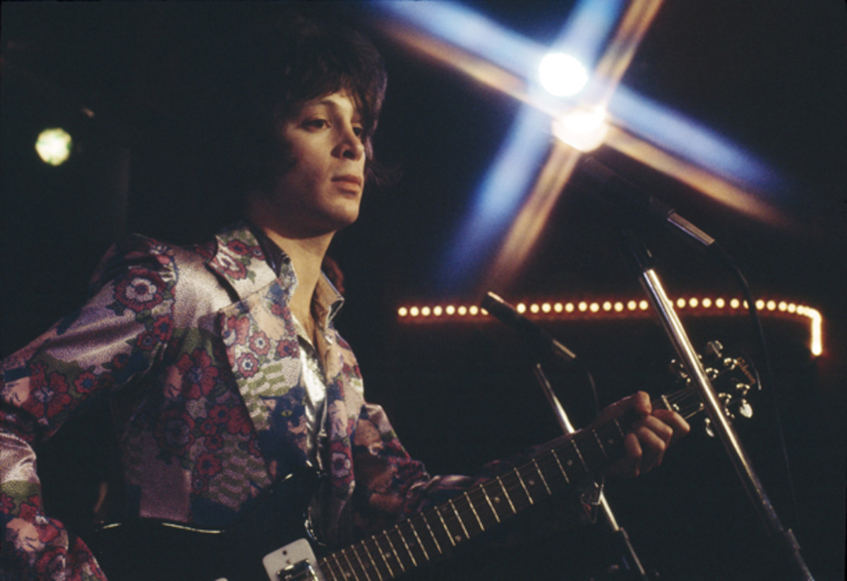 """""""The Essential Eric Carmen"""" serves up 30 tracks that draw on Carmen's work with Raspberries, shown here in a 1973 performance, as well as his solo efforts. Photo copyright Bob Gruen"""