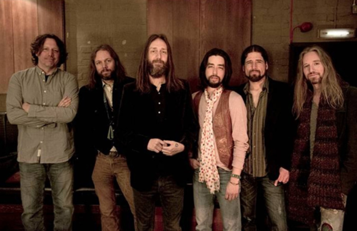 The Black Crowes (from left): Steve Gorman, Rich Robinson, Chris Robinson, Jackie Greene, Sven Pipien and Adam MacDougall. Ross Halfin photo.