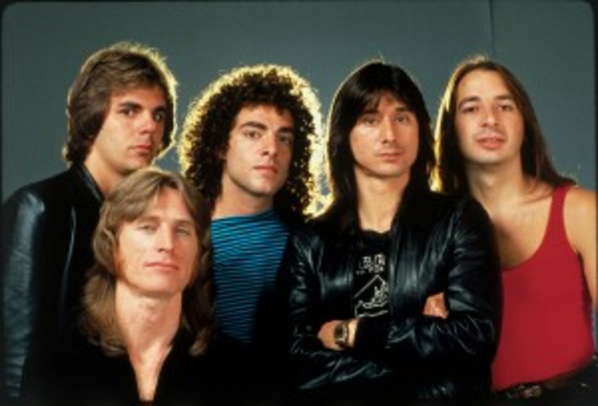 Journey large color band pic with perry