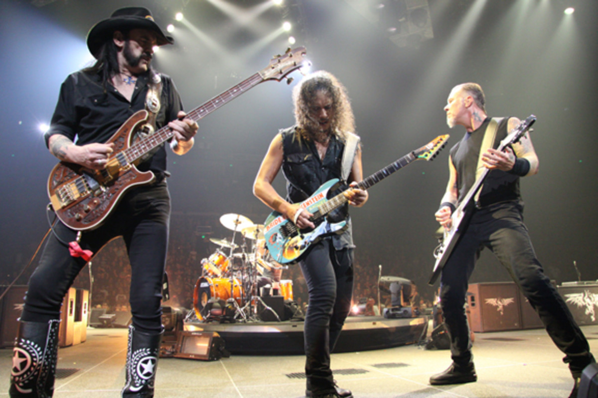 Lemmy performs with Metallica