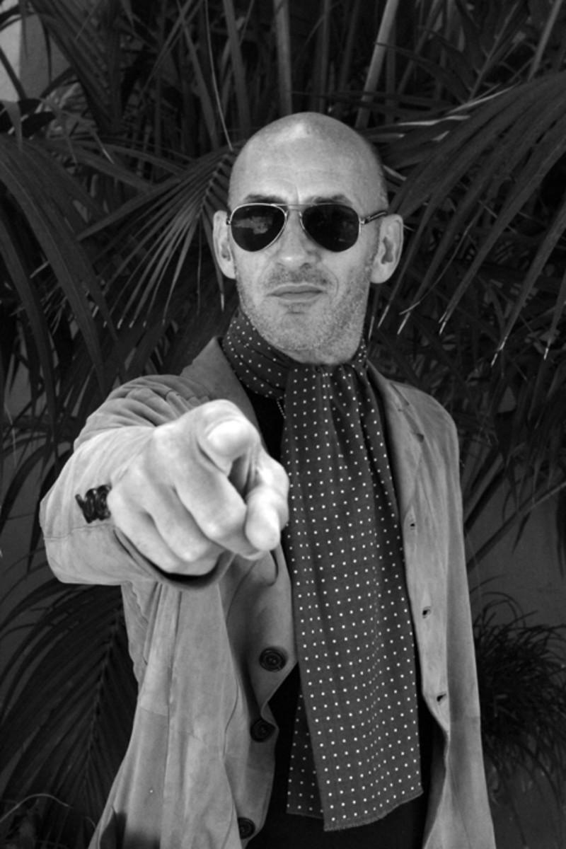 Simon Townshend publicity photo