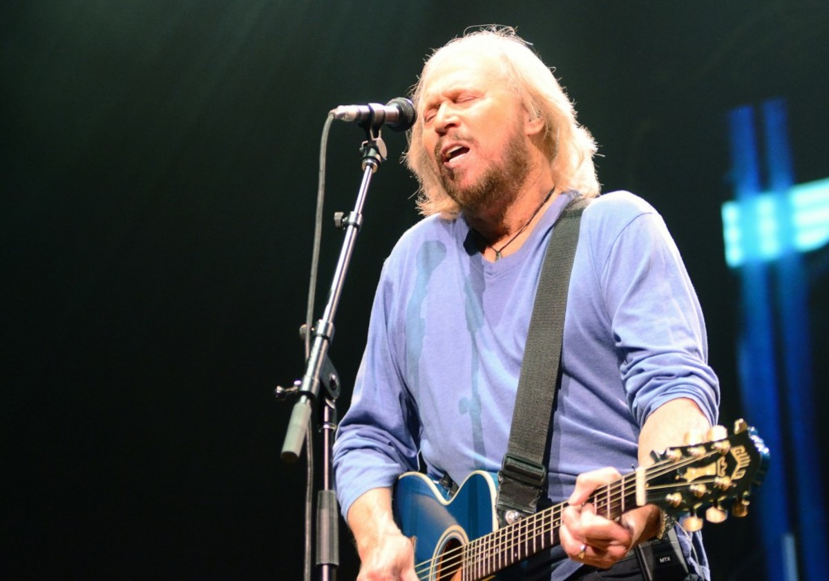 """Barry Gibb began his May 19 show in Philadelphia with """"Jive Talkin',"""" followed by """"You Should Be Dancing"""" and """"Lonely Days."""" Other Bee Gees hits included """"Stayin' Alive,"""" """"You Win Again"""" and """"I Started a Joke."""" (Photo by Chris M. Junior)"""