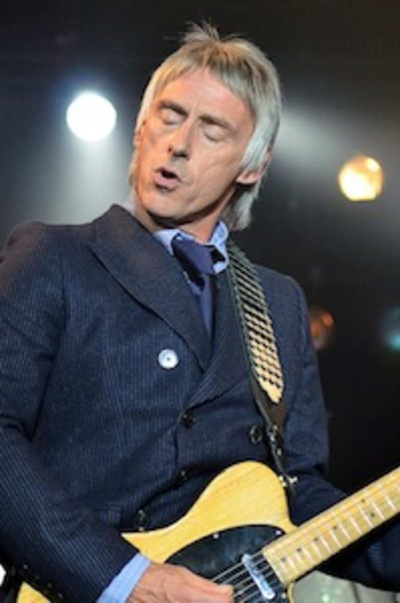 Paul Weller in action May 19 at New York's Best Buy Theater. (Photo by Chris M. Junior)
