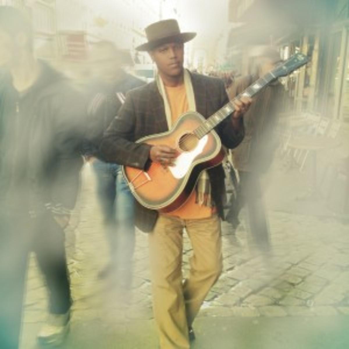 EricBibb-Guitar(Credit-PatriciaDeGorostarzu)